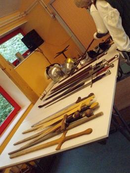 Epées en bois et en métal